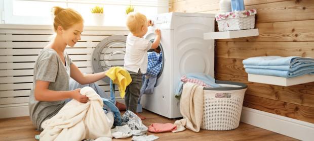 Trucos y consejos para eliminar manchas en la ropa de bebés y niños pequeños